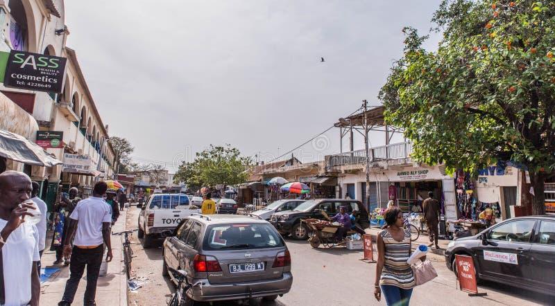 calle típica en la Gambia capital Banjul foto de archivo libre de regalías