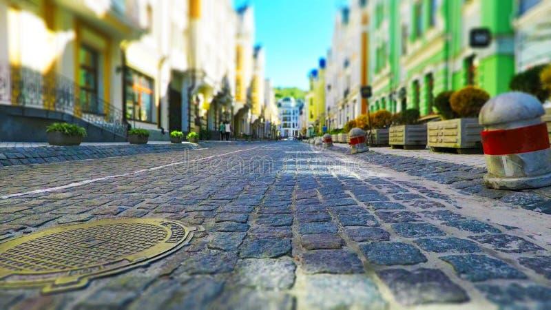 Download Calle Vieja De La Ciudad En Colores Retros Imagen de archivo - Imagen de inferior, infraestructura: 100531627