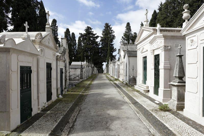 Calle vieja del cementerio fotografía de archivo