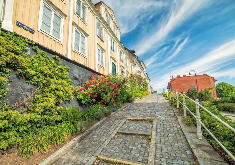 Calle vieja en Karlshamn en paisaje del verano fotografía de archivo
