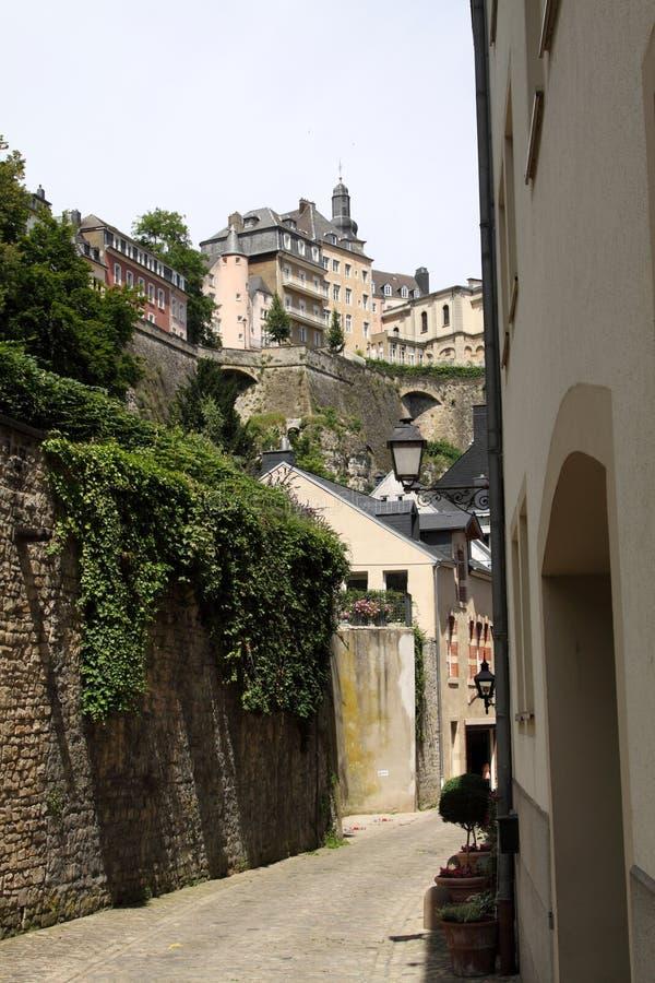 Calle vieja en Luxemburgo foto de archivo