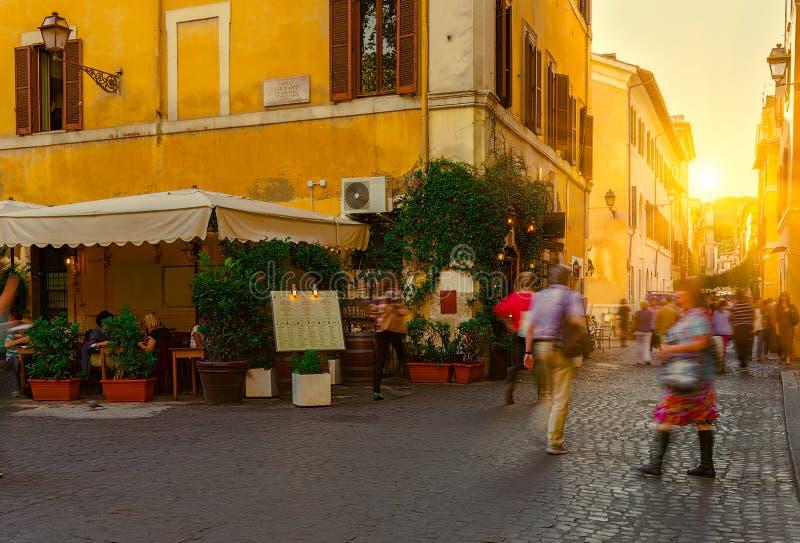 Calle vieja en Trastevere en Roma foto de archivo libre de regalías