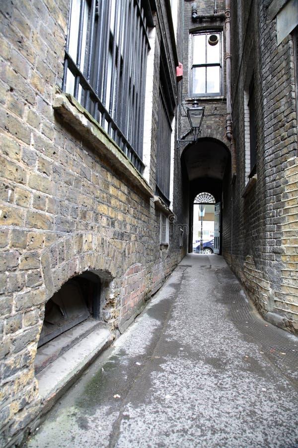 Callejón de la ciudad fotografía de archivo