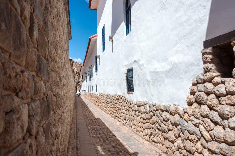 Callejón estrecho en Cuzco imagen de archivo libre de regalías