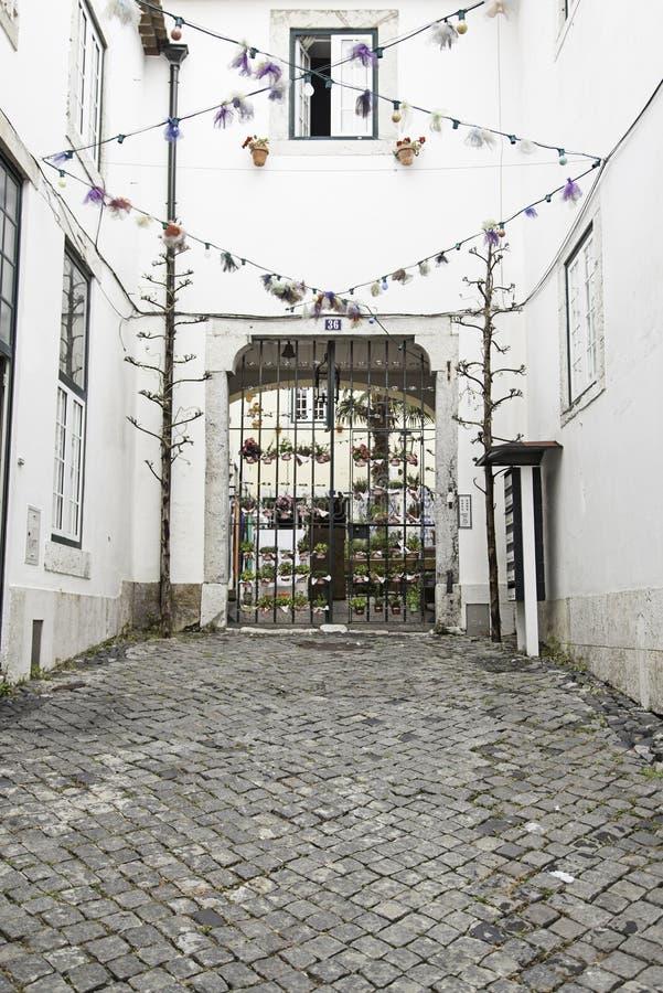 Callejón viejo e histórico en Lisboa fotografía de archivo libre de regalías