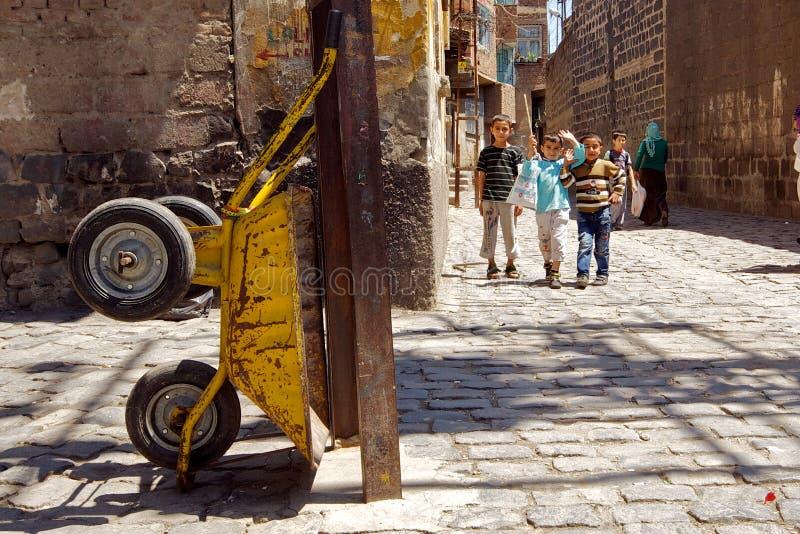 Callejones traseros de Diyarbakir, Turquía foto de archivo libre de regalías