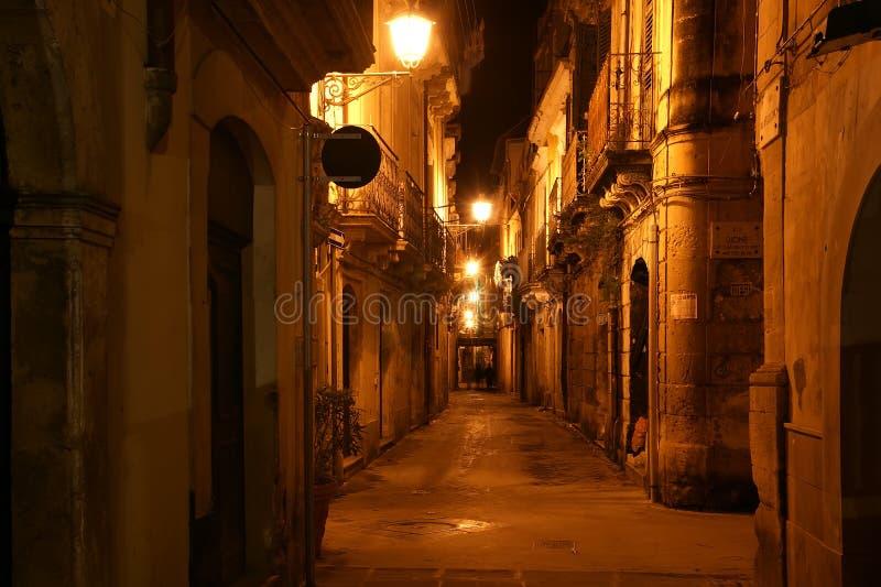 Calles antiguas de Syracuse imagenes de archivo