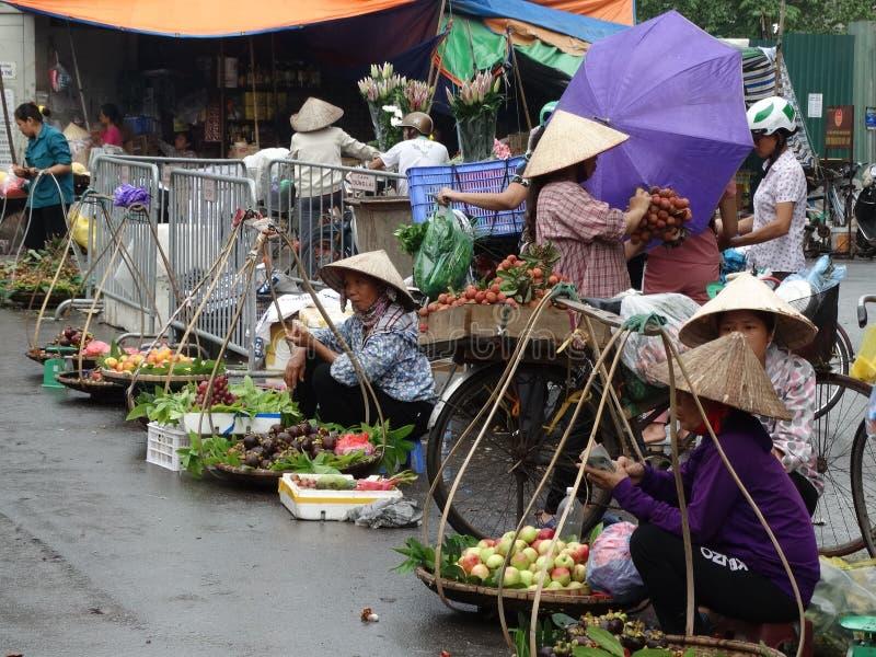 Calles cuarto del ` s de Hanoi del viejo fotos de archivo libres de regalías