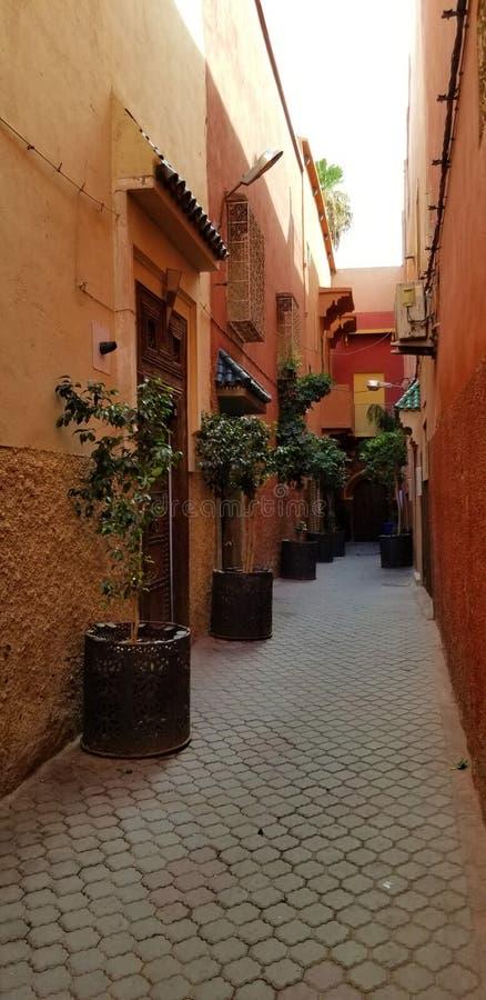 Calles de la ciudad de Marrakesh Medina - ciudad fortificada vieja foto de archivo