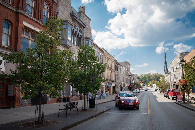 Calles de la pequeña ciudad fotos de archivo