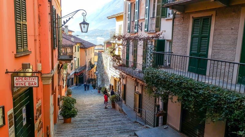 Calles escénicas viejas en Bellagio, lago Como, Italia imágenes de archivo libres de regalías