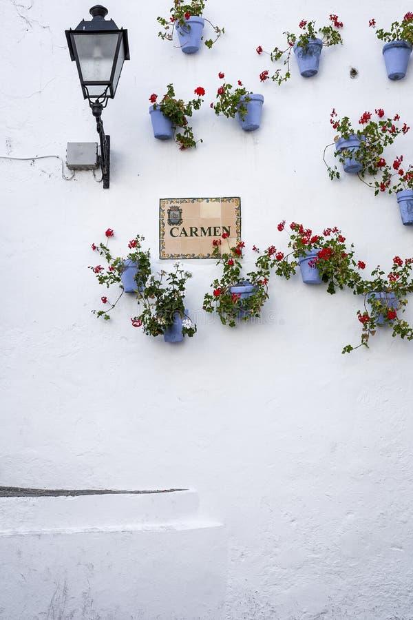 Calles, esquinas y detalles de Marbella españa fotografía de archivo