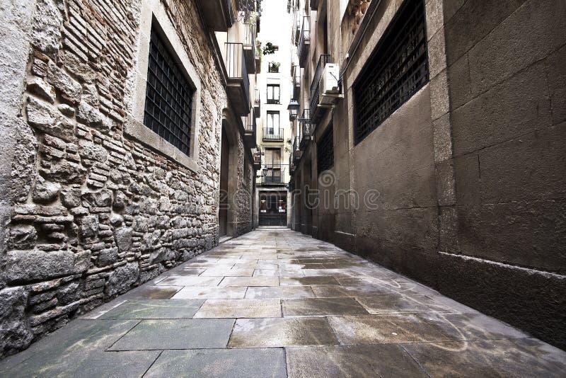 Calles góticas de la ciudad de Barcelona fotos de archivo libres de regalías