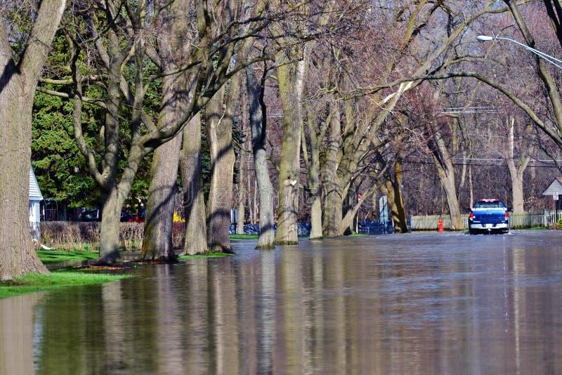 Calles inundadas fotografía de archivo