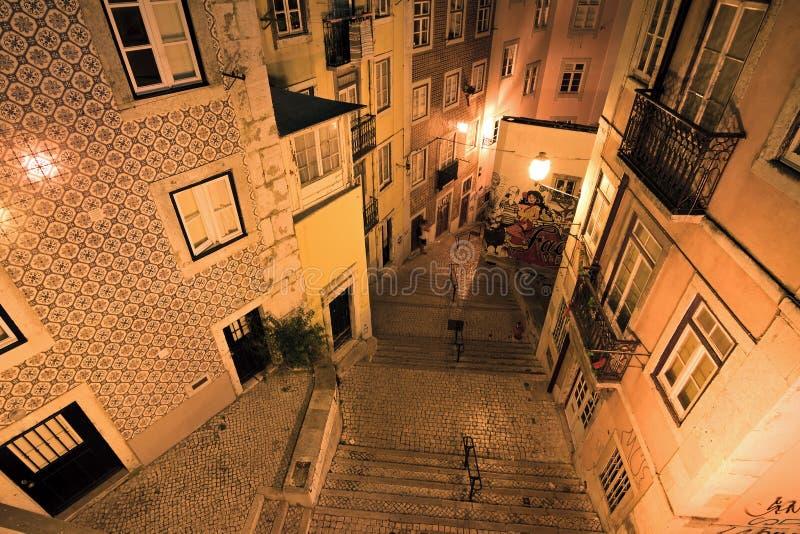 Calles Lisboa de la noche imagen de archivo libre de regalías