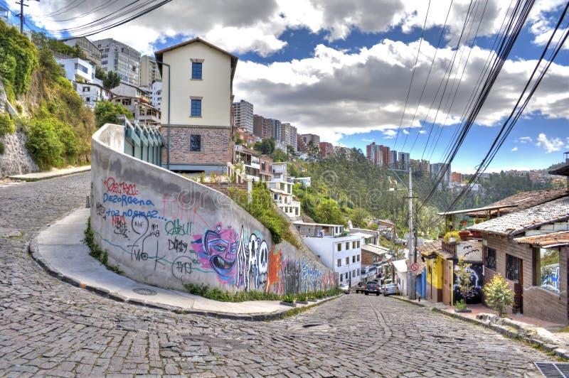 Calles y casas de Guapulo fotos de archivo