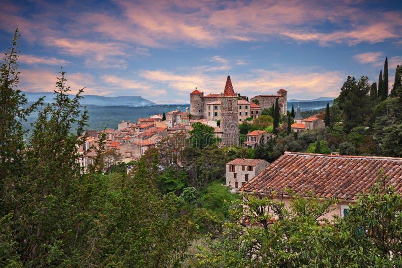 Callian, Var, de Provence, Frankrijk: landschap bij dageraad van oud royalty-vrije stock afbeeldingen