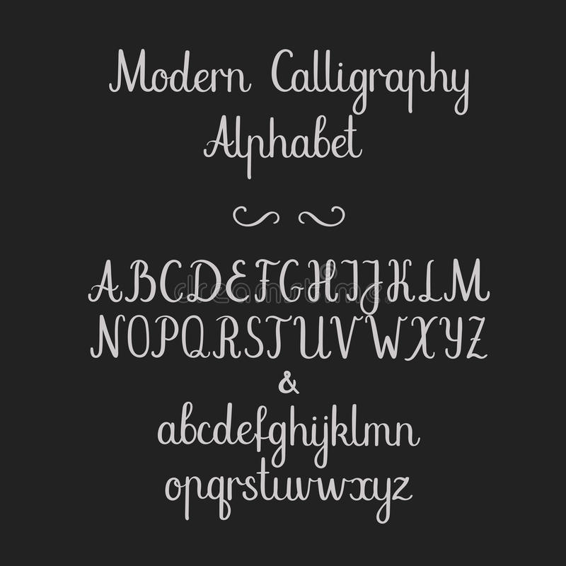 Calligraphic alfabet Handskriven borstestilsort Uppercase litet, et-tecken Bröllopkalligrafi vektor illustrationer