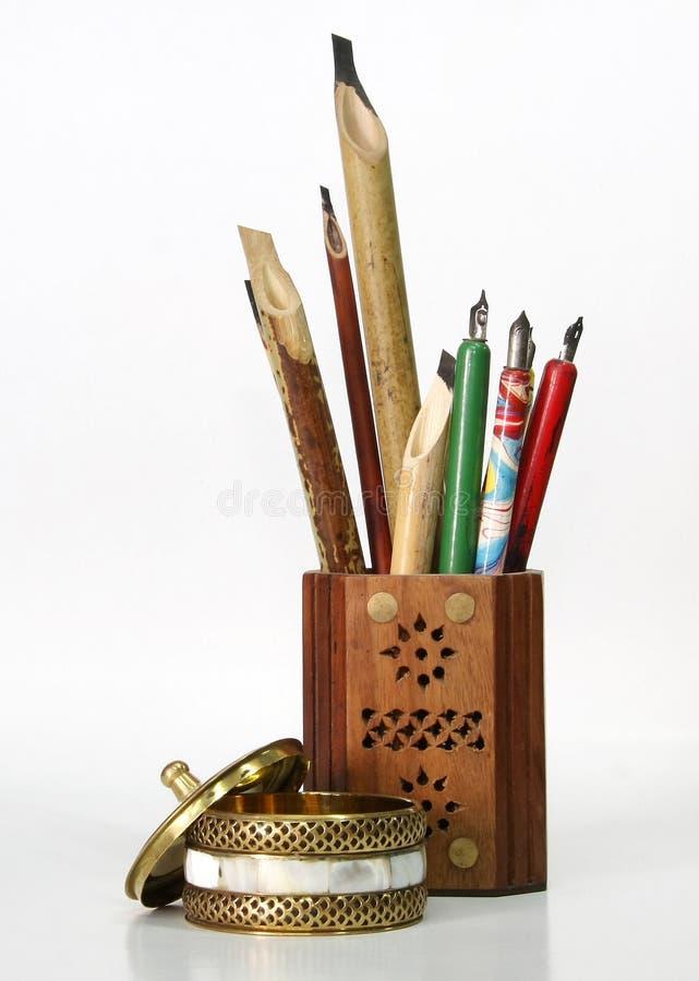 calligraphyhjälpmedel royaltyfri bild