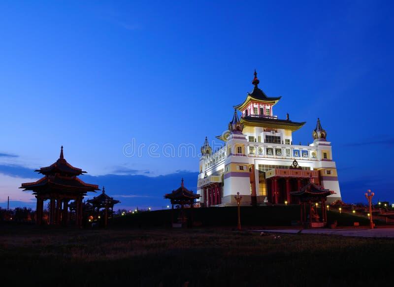 Calmúquia Elista Domicílio dourado do templo da Buda Shakyamuni imagens de stock