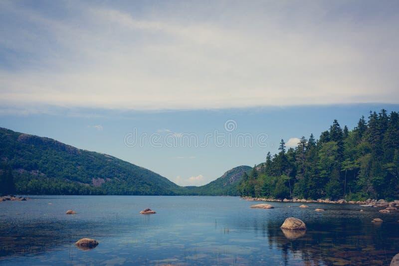 Calm lago ainda fotos de stock