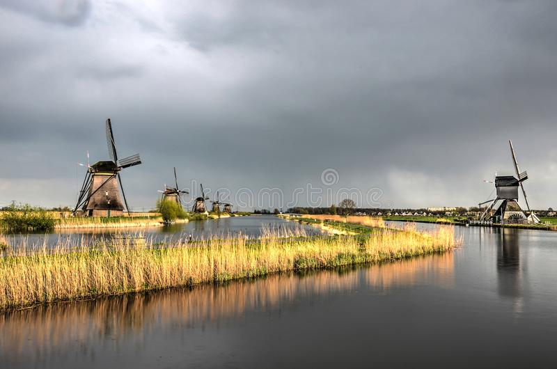 Calma após a tempestade em Kinderdijk fotos de stock royalty free