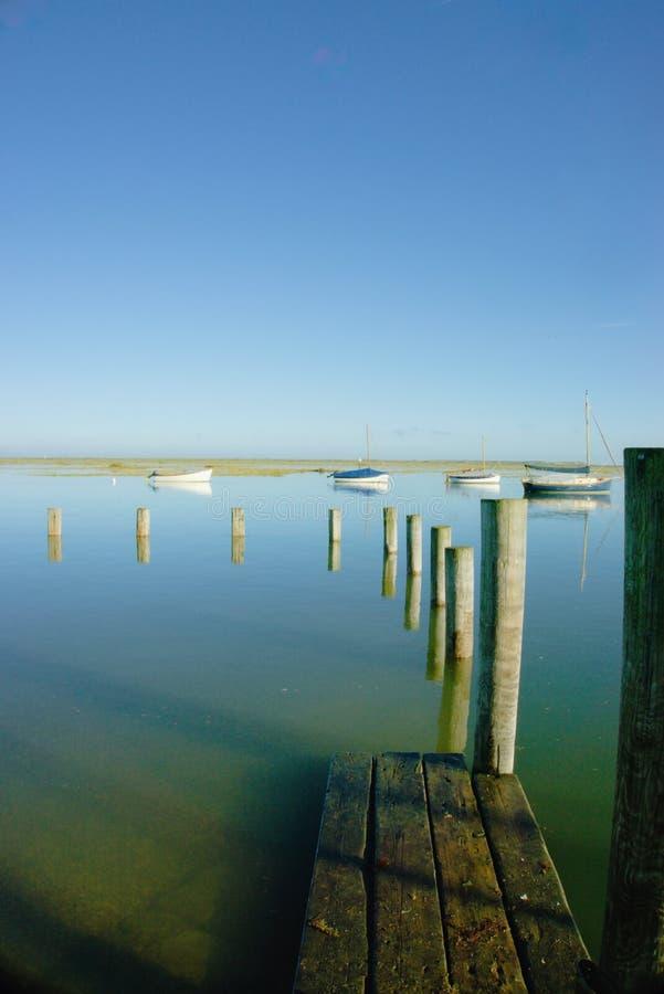 Download Calma azul foto de archivo. Imagen de barcos, travieso - 100534908