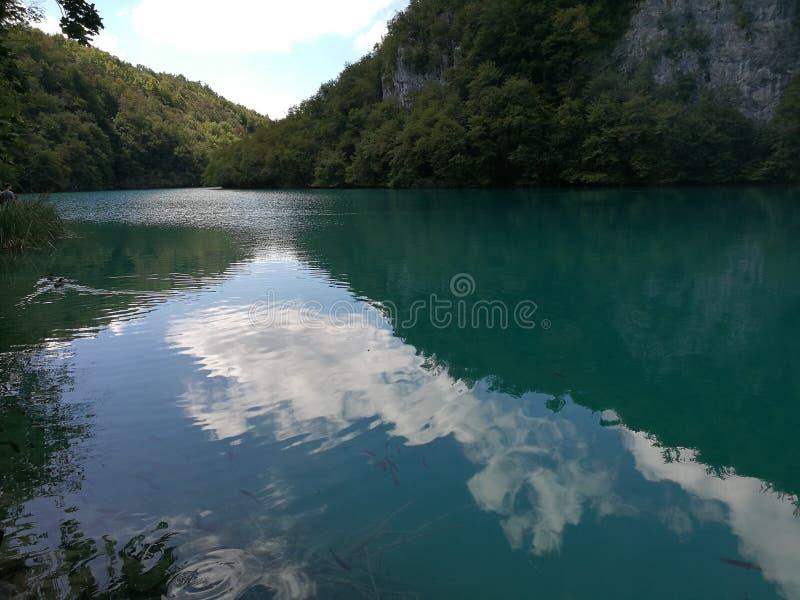 A calma molha Plitvice imagem de stock