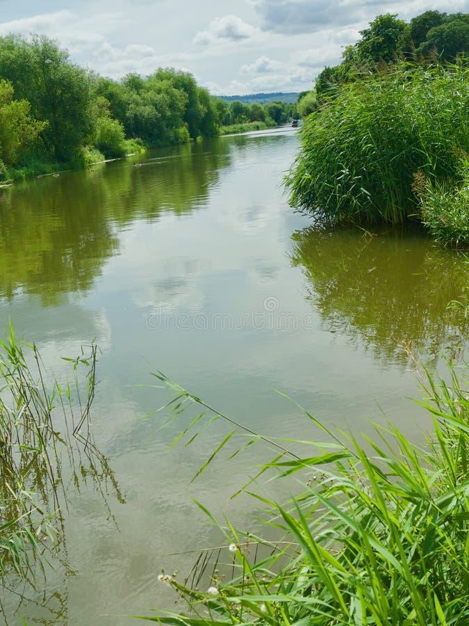 Calme sur la rivière photos libres de droits