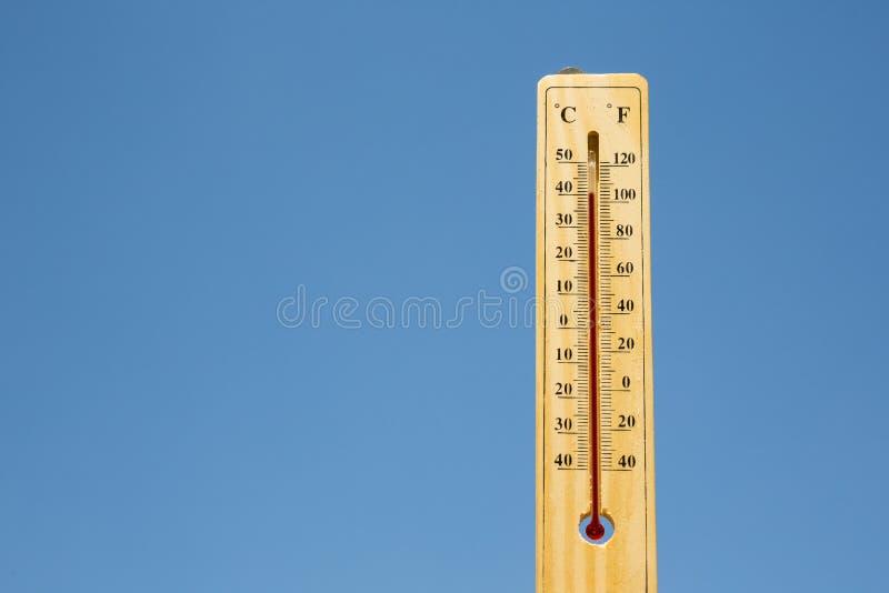 Calor del verano del termómetro de Mercury imágenes de archivo libres de regalías