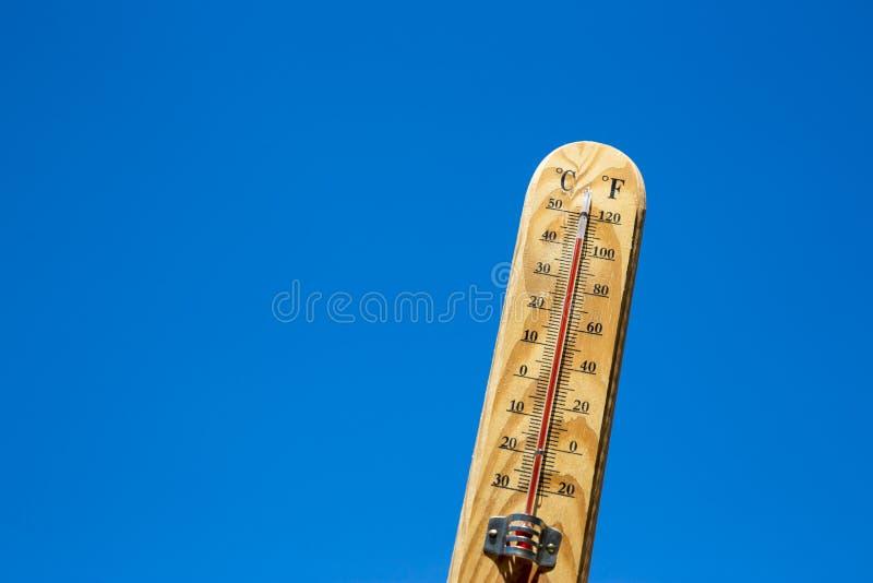 Calor del verano del termómetro de Mercury fotos de archivo
