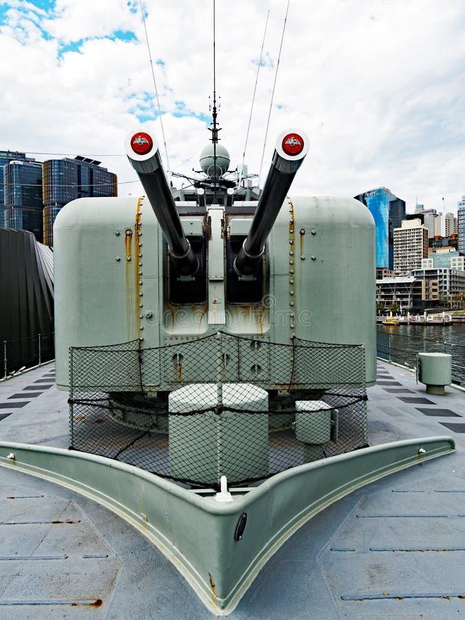 4 5 Calowych Morskich pistoletów na Przechodzić na emeryturę niszczycielu, Sydney, Australia zdjęcia stock
