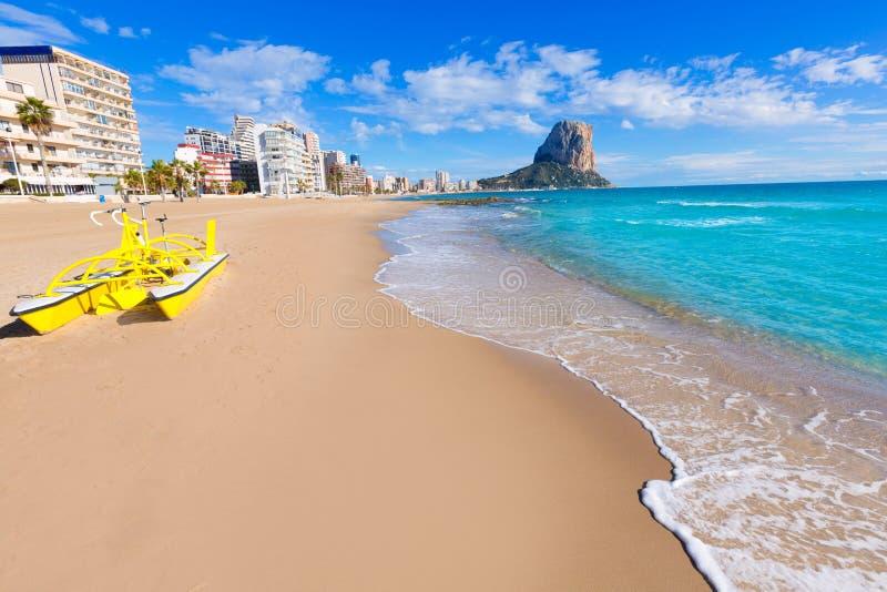 Calpe playaArenal Bol strand Alicante royaltyfri bild