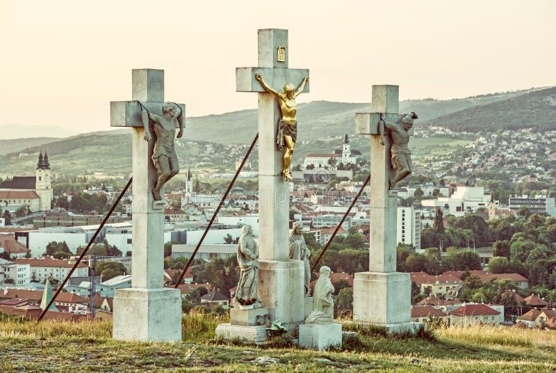 Calvary i den Nitra staden, Slovakien, religiöst ställe royaltyfri fotografi