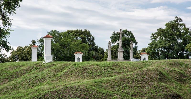 Calvary i den Skalica staden, Slovakien, religiöst ställe royaltyfri bild