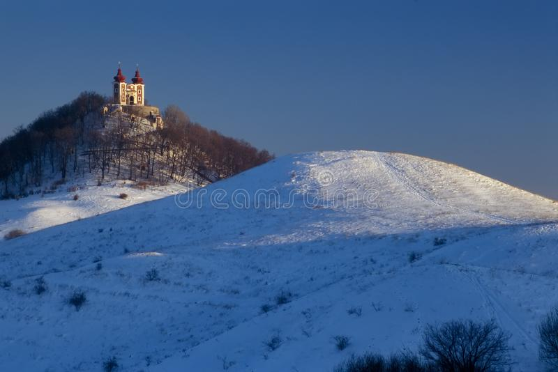 Calvary och kullar på Banska Stiavnica arkivbilder