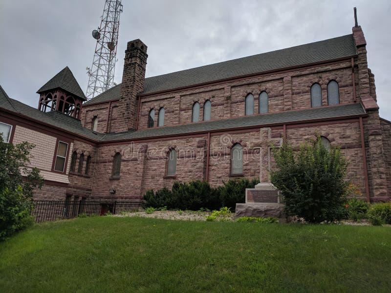 Calvarydomkyrka - episkopalkyrkan - i stadens centrum Sioux Falls, SD royaltyfri foto