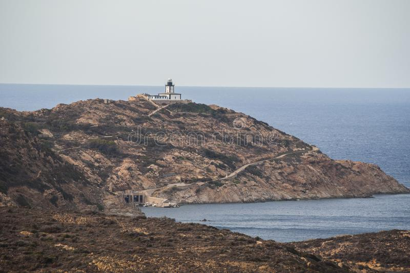 Calvi Revellata fyr, strand, Pointe De La Revellata, horisont, Korsika, Haute Corse, Frankrike, Europa, ö royaltyfri foto
