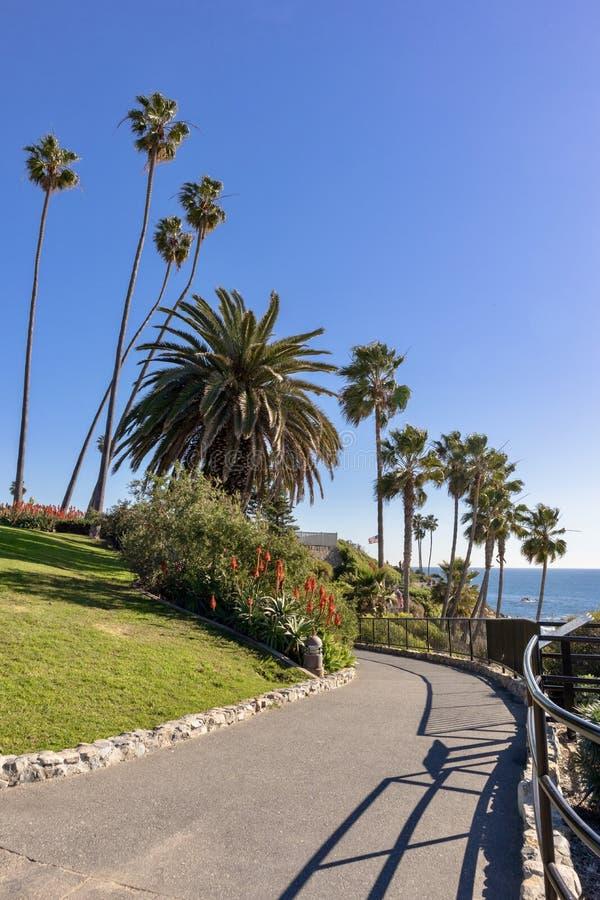 Calzada costera del Laguna Beach fotos de archivo