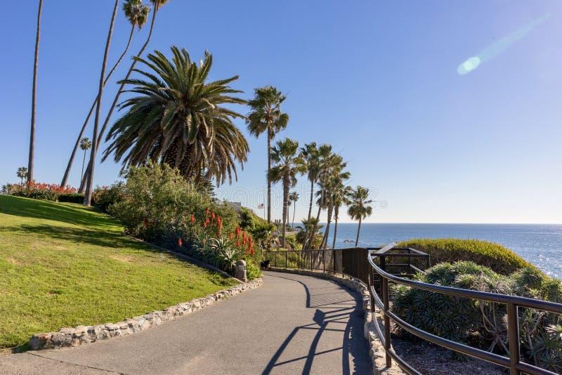 Calzada costera del Laguna Beach imágenes de archivo libres de regalías