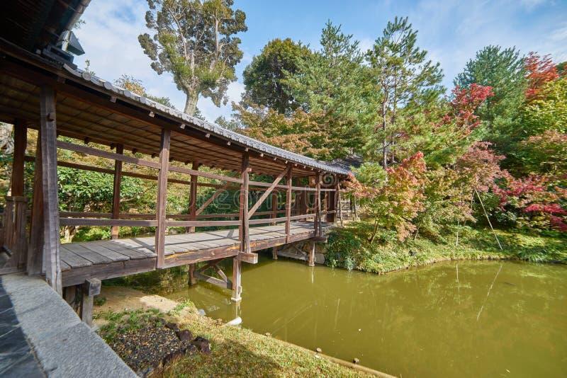 Calzada de madera hermosa en el templo del daiji del  de KÅ fotografía de archivo libre de regalías