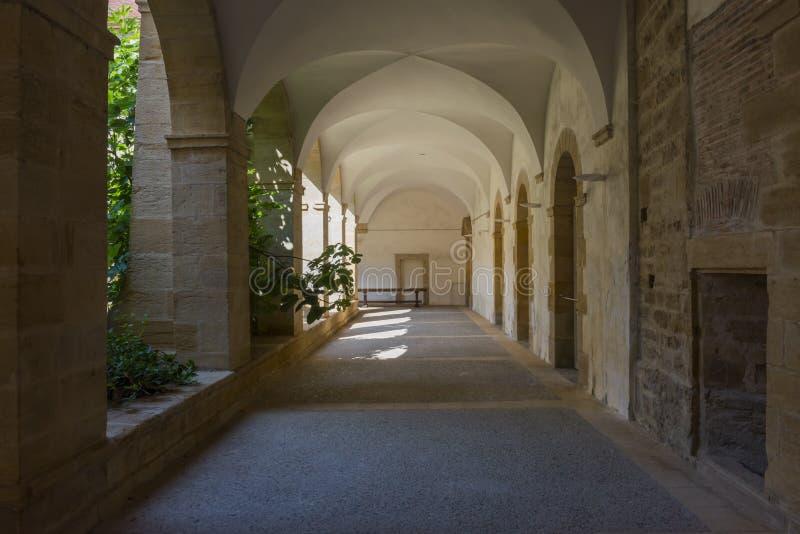 Download Calzada en basílica foto de archivo. Imagen de catedral - 44854232