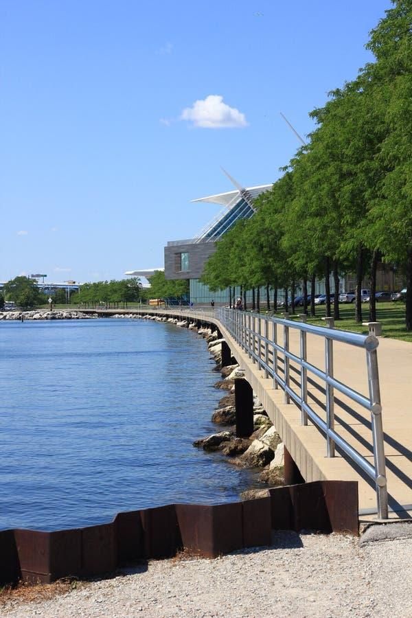 Calzada a lo largo del lago Michigan en Milwaukee imagen de archivo