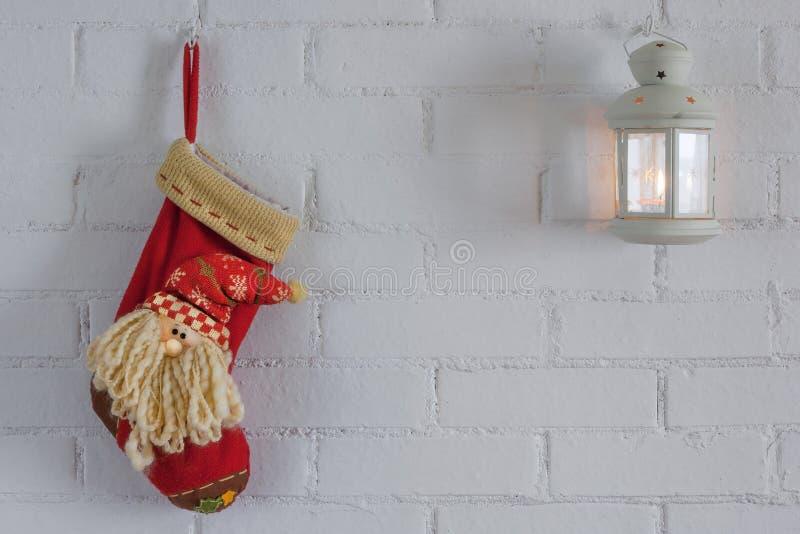Calzini rossi per il regalo di Natale fotografie stock libere da diritti
