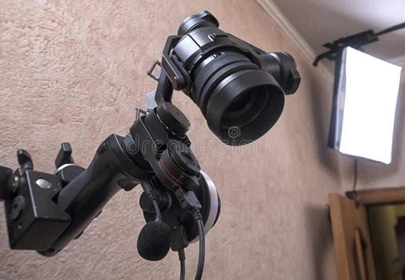 Caméra de télévision dans un studio photographie stock libre de droits