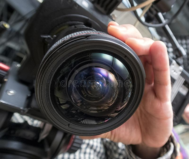 Caméra de télévision dans un studio images libres de droits
