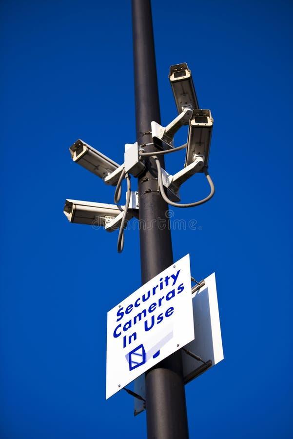 Caméras vidéo de sécurité de sécurité en service photo libre de droits