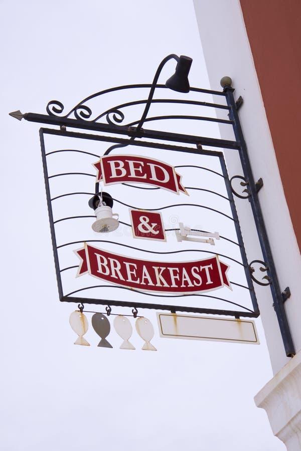 Cama & pequeno almoço imagens de stock royalty free