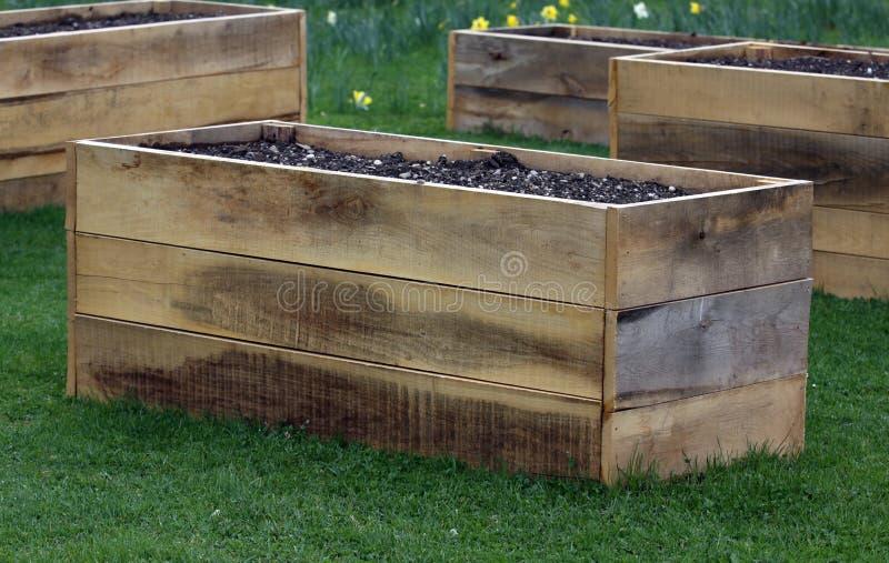 Cama aumentada do jardim imagens de stock
