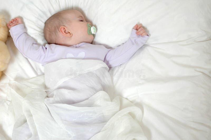 Cama de bebé fotografía de archivo libre de regalías